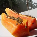 How Papaya Enzyme Benefits Digestion