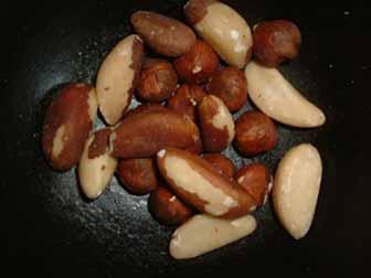 Brazil nuts selenium