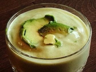 Kiwi and avocado smoothie