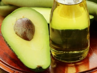 Moisturizing with avocado oil