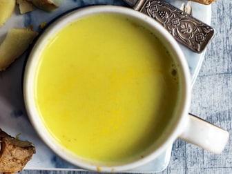 Turmeric tea antiviral treatment